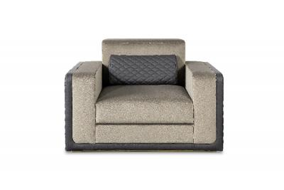 Modern Single Sofas for a Luxurious Living Room